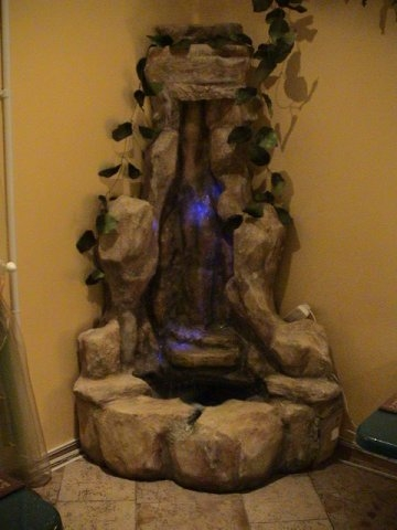 Угловой фонтан для дома