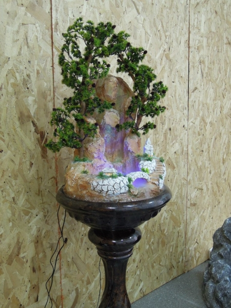 Напольный фонтан для зимнего сада